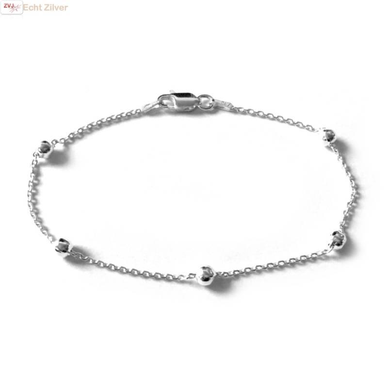 Zilveren 5 balletjes  armbandje-1