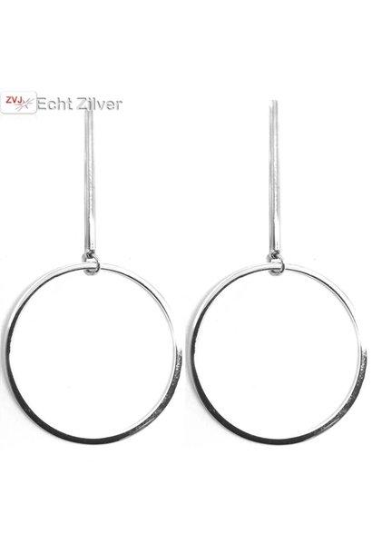 Zilveren grote cirkel oorhangers met staaf