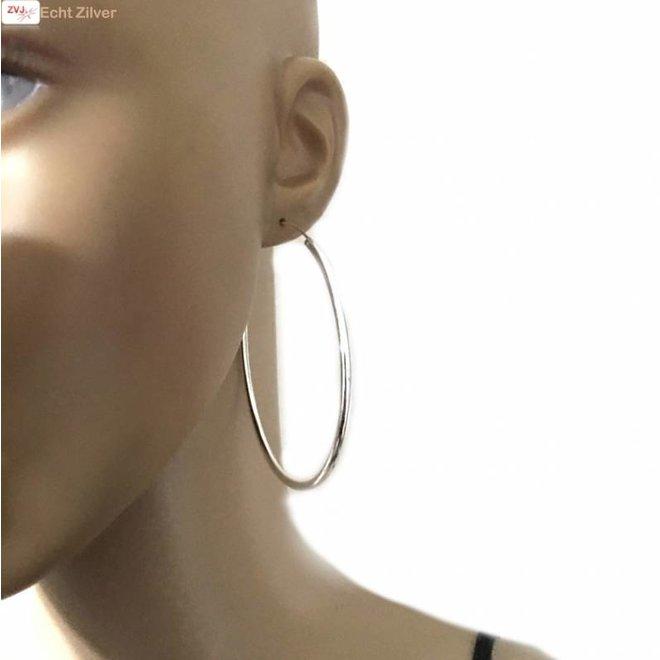 Zilveren creolen oorringen groot  70 mm 2.5 mm breed