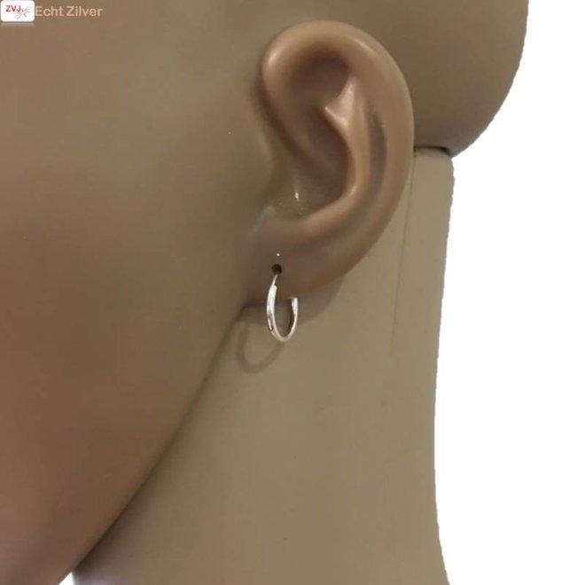 Zilveren kleine creolen oorringen ronde buis 14  x 1.5 mm breed