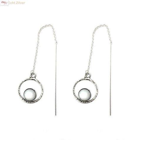 ZilverVoorJou Zilveren cirkel doorhaaloorbellen met parelmoer
