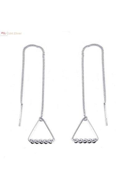 Zilveren triangel met 5 balletjes doortrekoorbellen