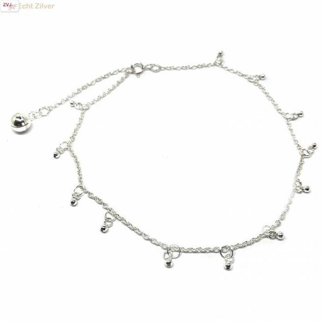 Zilveren enkelketting met bel en kleine balletjes
