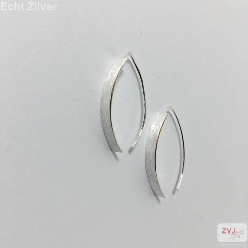Mat zilveren strakke oorhangers-4