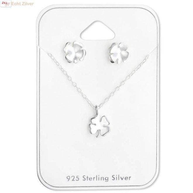 Zilveren mini klavertje 4 ketting en oorstekers set