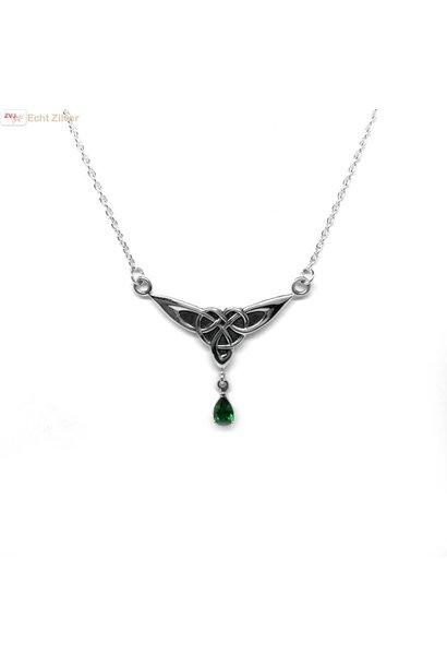 Zilveren kort keltisch collier met groene steen