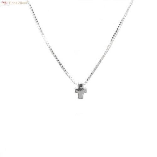 ZilverVoorJou Zilveren collier met mini kruis