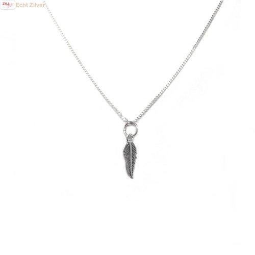 ZilverVoorJou Zilveren collier mini veertje