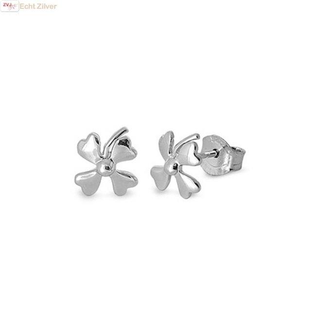 Zilveren kleine klaver vier oorstekers