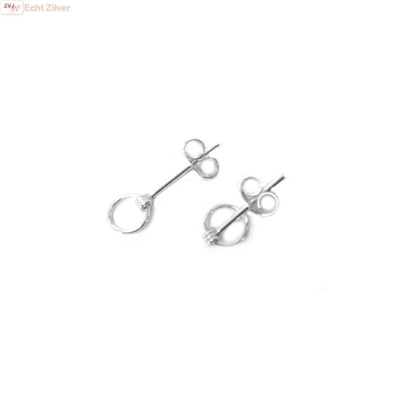 Zilveren mini oorstekers met een cirkel-1