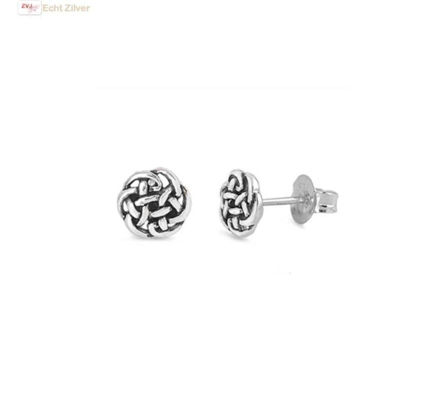 Zilveren kleine keltische oorstekers