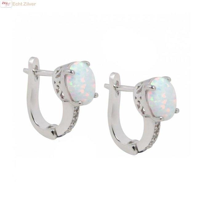 Zilveren witte opaal oorhangers