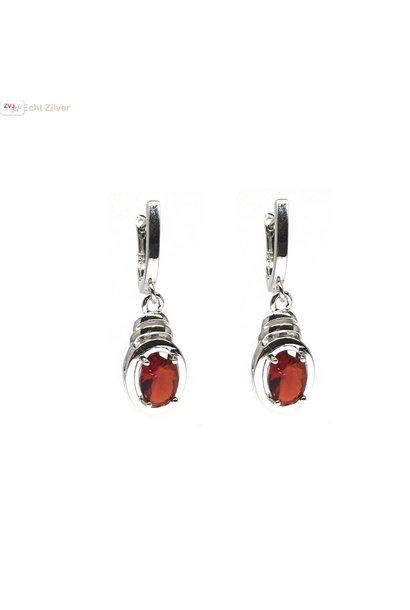 Zilveren rode cz oorhangers omega lock sluiting