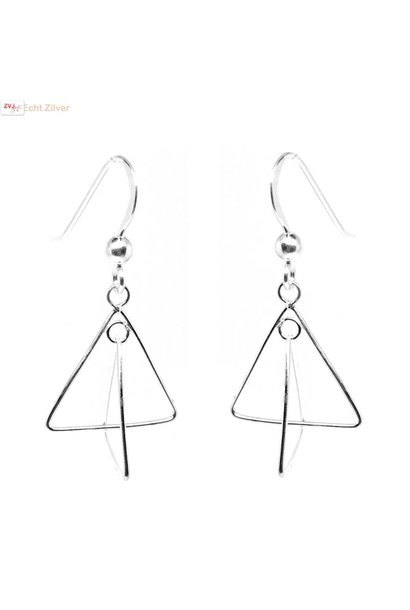 Zilveren triangel oorhangers