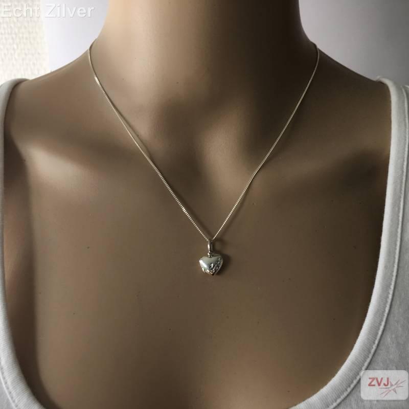 zilveren klein hart medaillon met inscriptie love-2