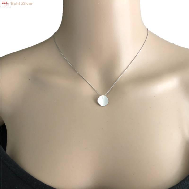 Zilveren collier met gebogen cirkel hanger-2