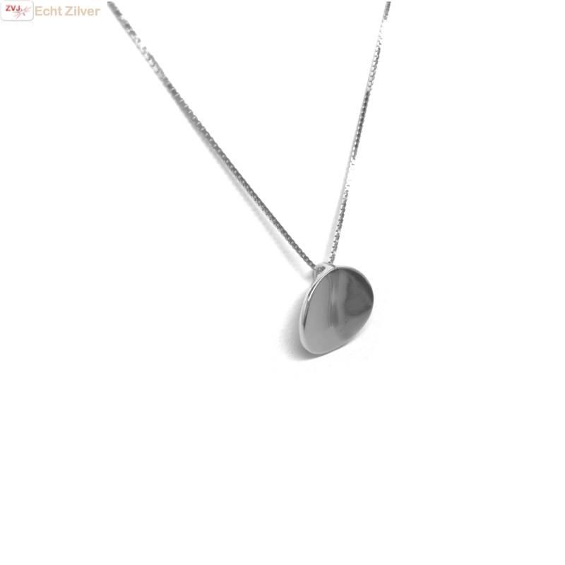 Zilveren collier met gebogen cirkel hanger-4