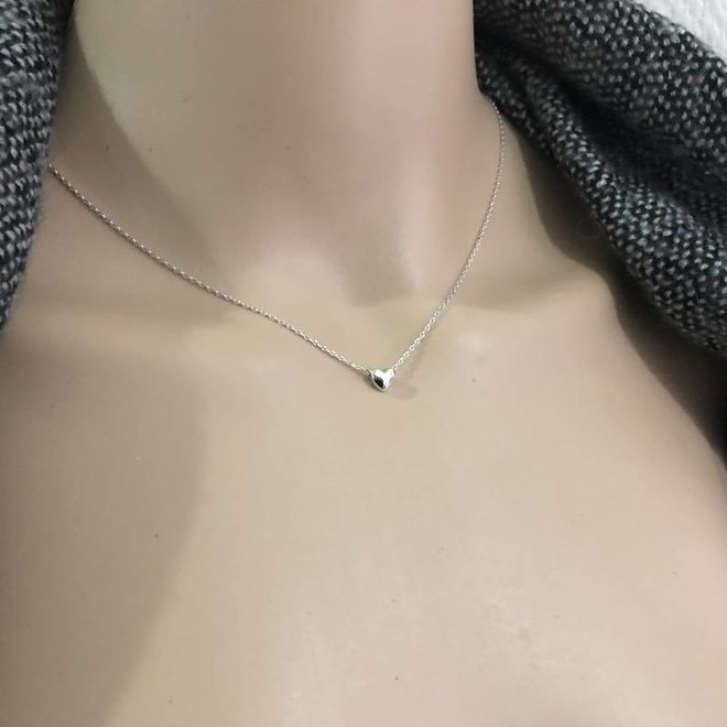 Zilveren ketting met mini hart