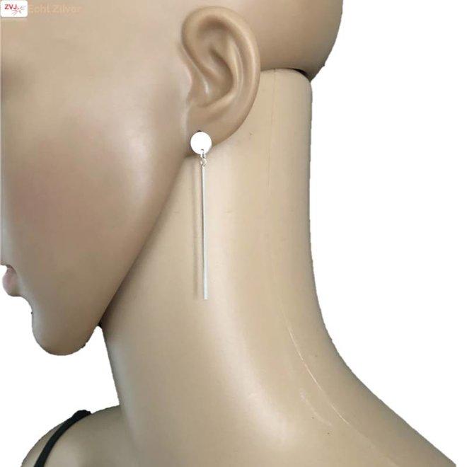 Zilveren staaf cirkel oorbellen