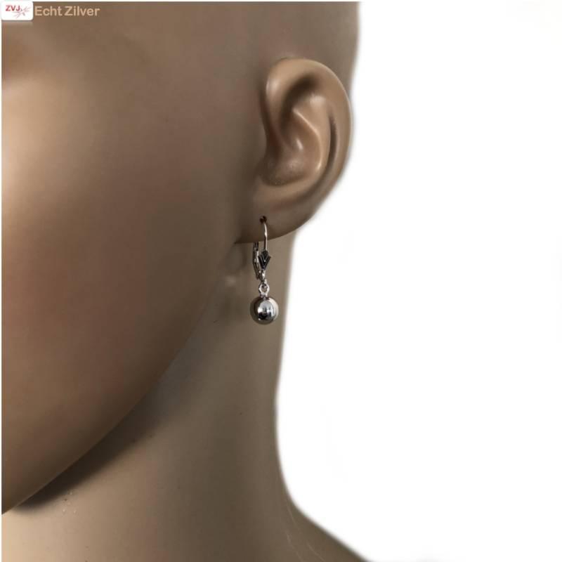 Zilveren oorhangers met bol-2