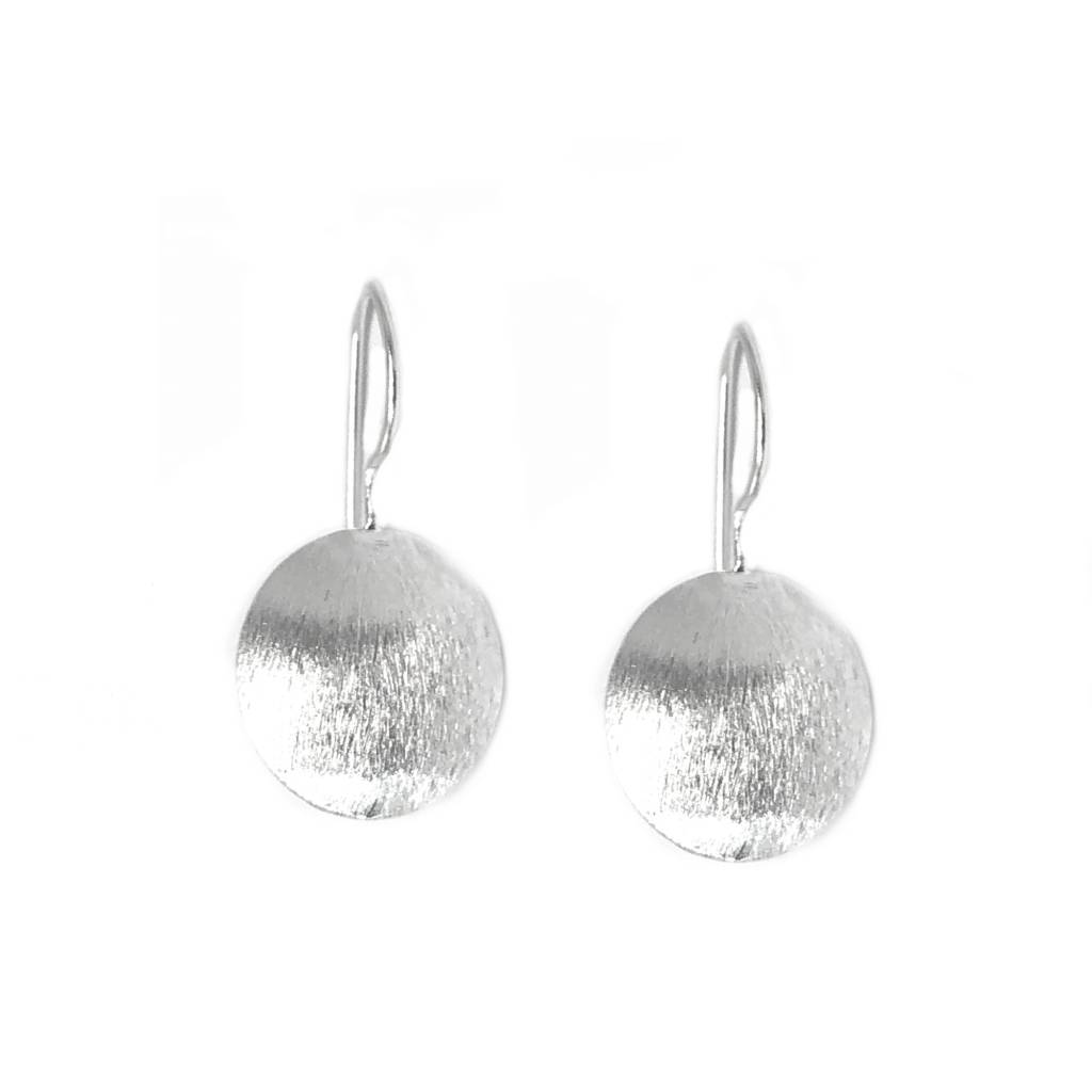 Mat zilveren discus oorbellen-1