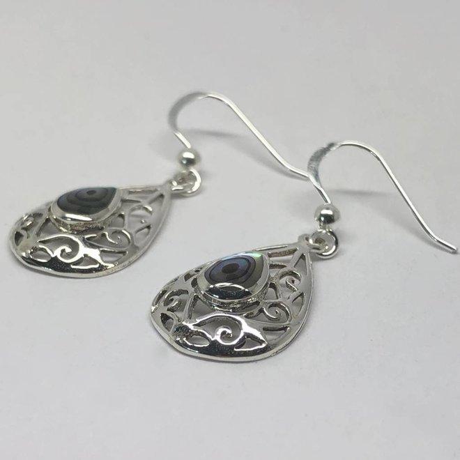 Zilveren opengewerkte druppel abalone paua oorhangers