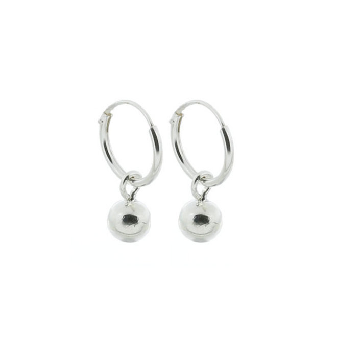 Zilveren kleine creolen met bal hangertje