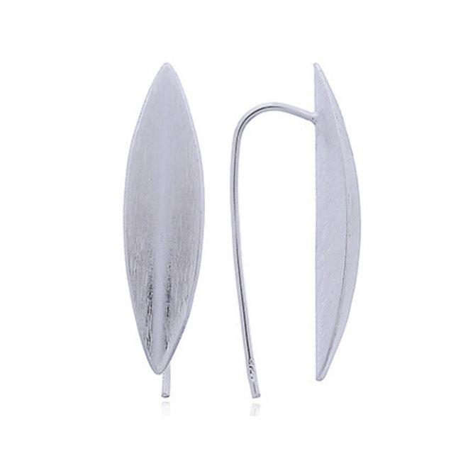 Mat zilveren ovale punt oorhangers met grote haak