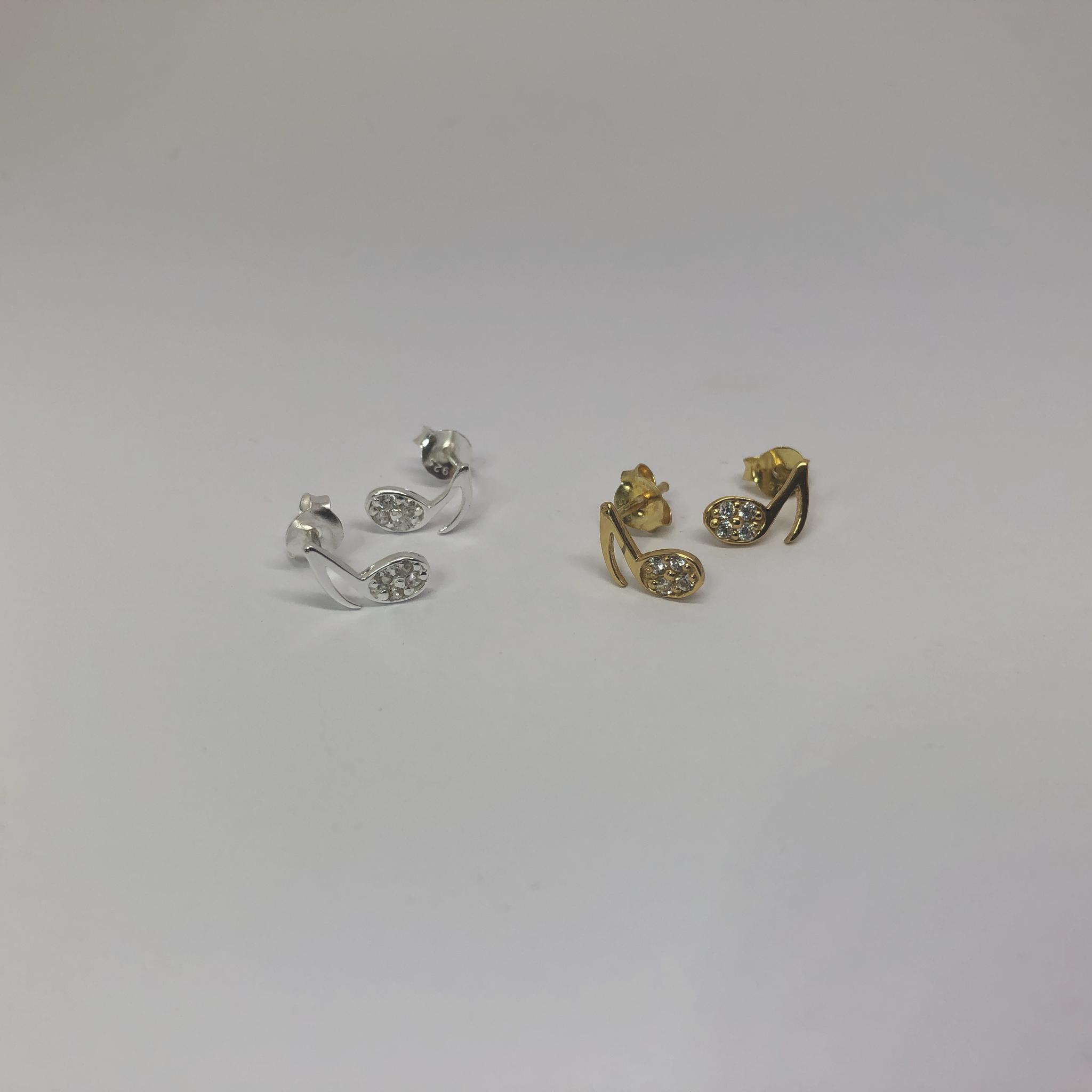 Zilveren en verguld paar mini muzieknoot oorstekers met witte zirkoon-4