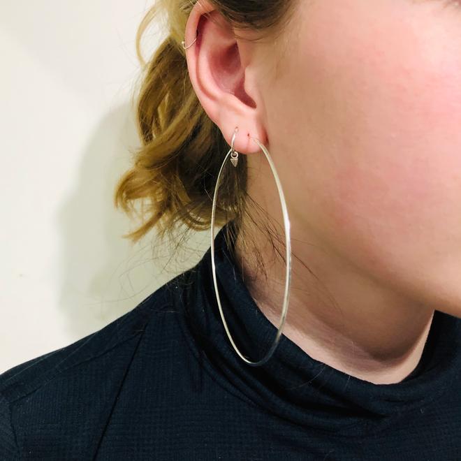 Zilveren creolen oorringen groot 90 mm 1.5 mm ronde buis
