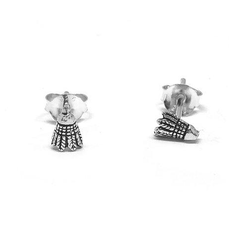ZilverVoorJou Zilveren zeer kleine badminton shuttle oorstekers