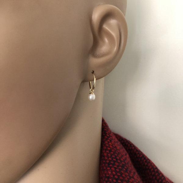 Goud op zilver kleine oorringen met witte parel