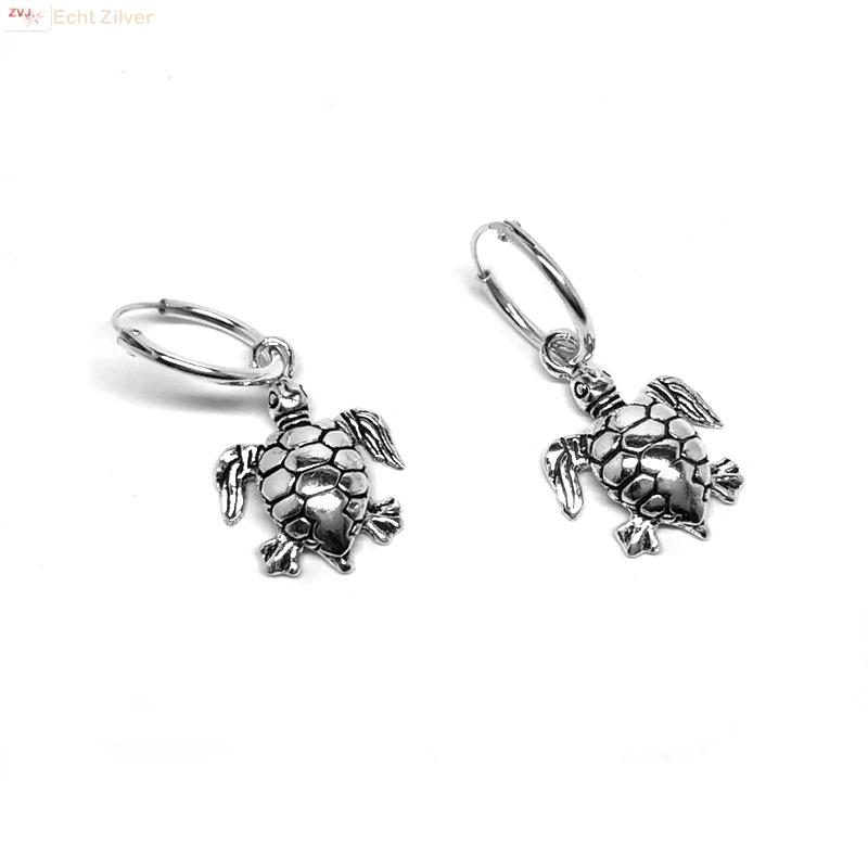 925 zilveren kleine oorringen met schildpad hangertjes-3