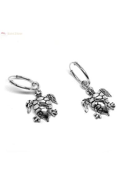 Zilveren oorringen creolen met schildpad