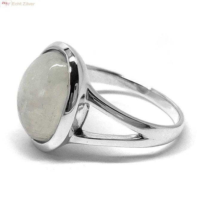 Zilveren ovale regenboog maansteen ring