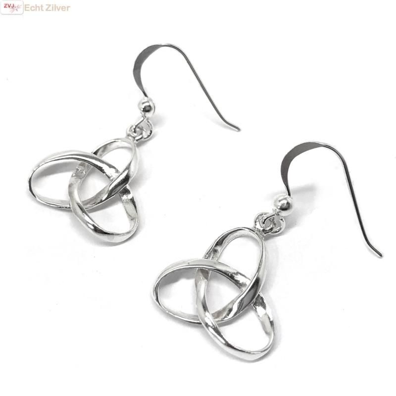 Zilveren Keltische trinity knoop oorhangers-1