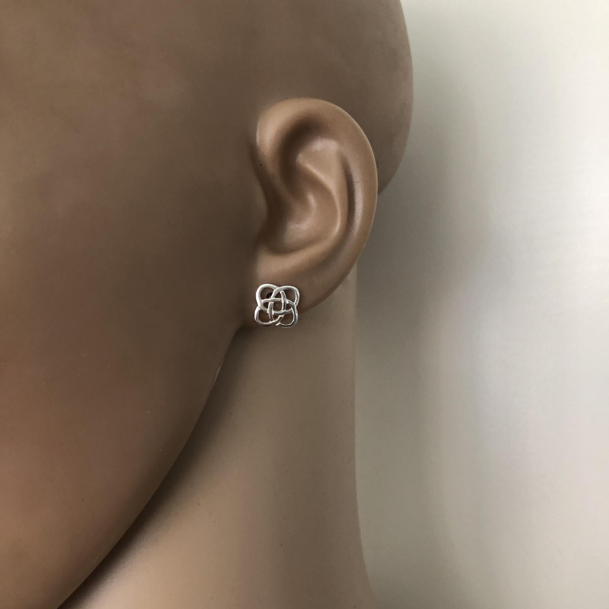 Zilveren Keltische square oorstekers-2