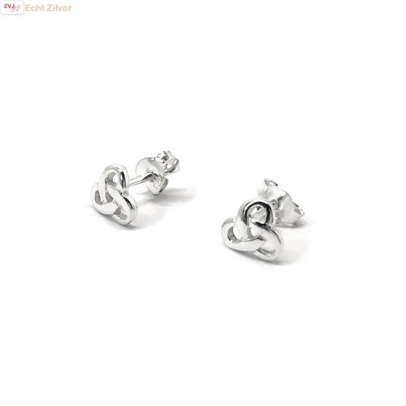 Zilveren kleine Keltische trinity knot oorstekers-3