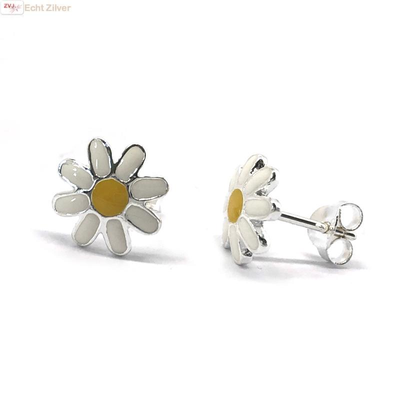 Zilveren margriet bloem oorstekers-1