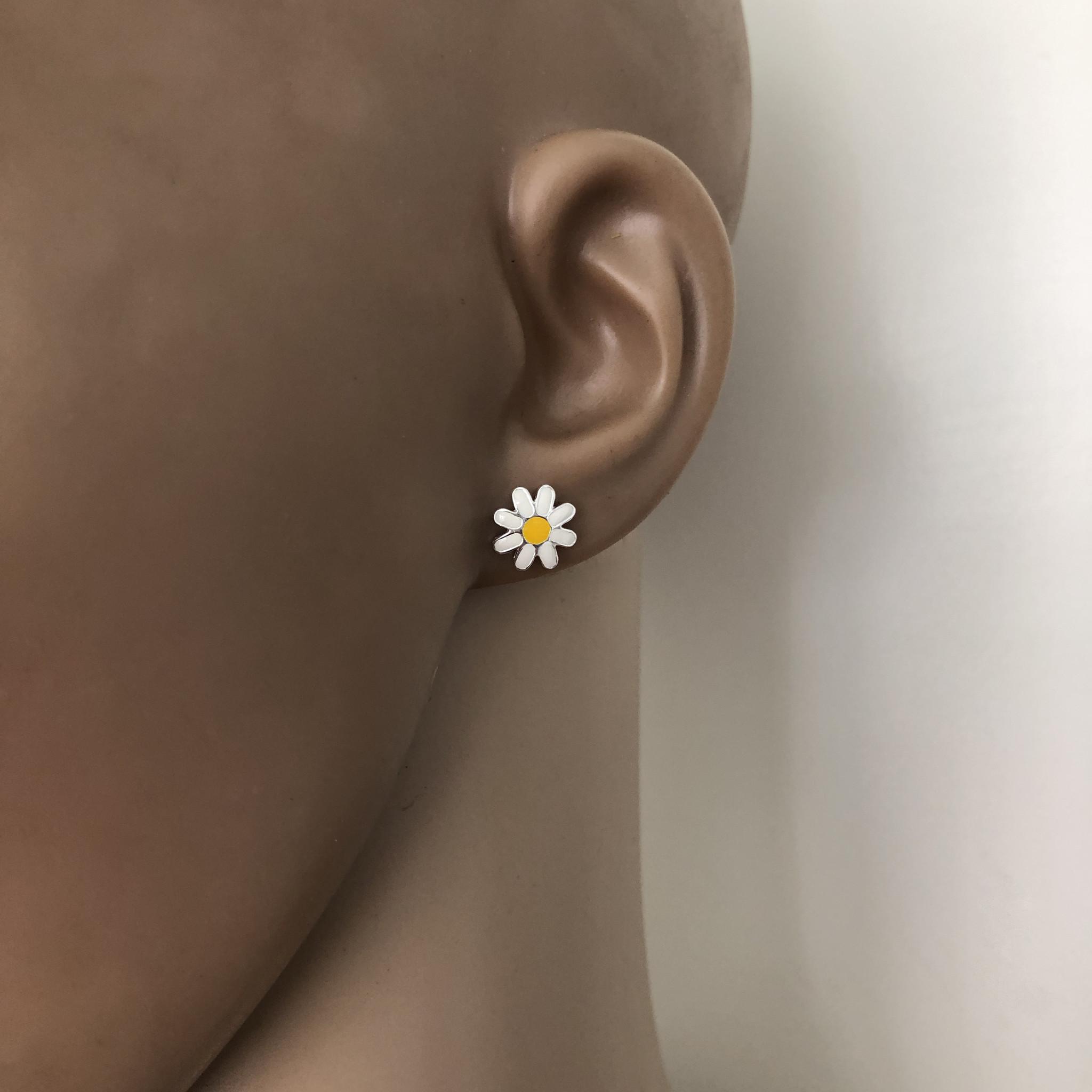 Zilveren margriet bloem oorstekers-2