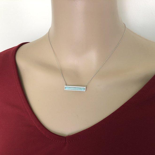 Zilveren strak design blauwe larimar ketting