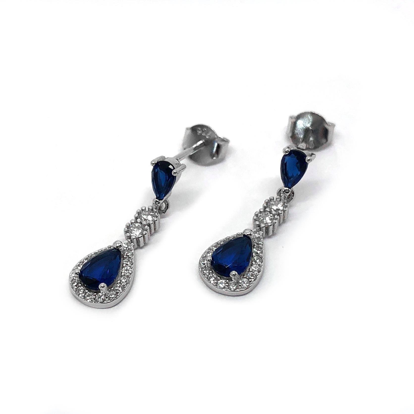 Zilveren saffier blauwe oorhangers-4