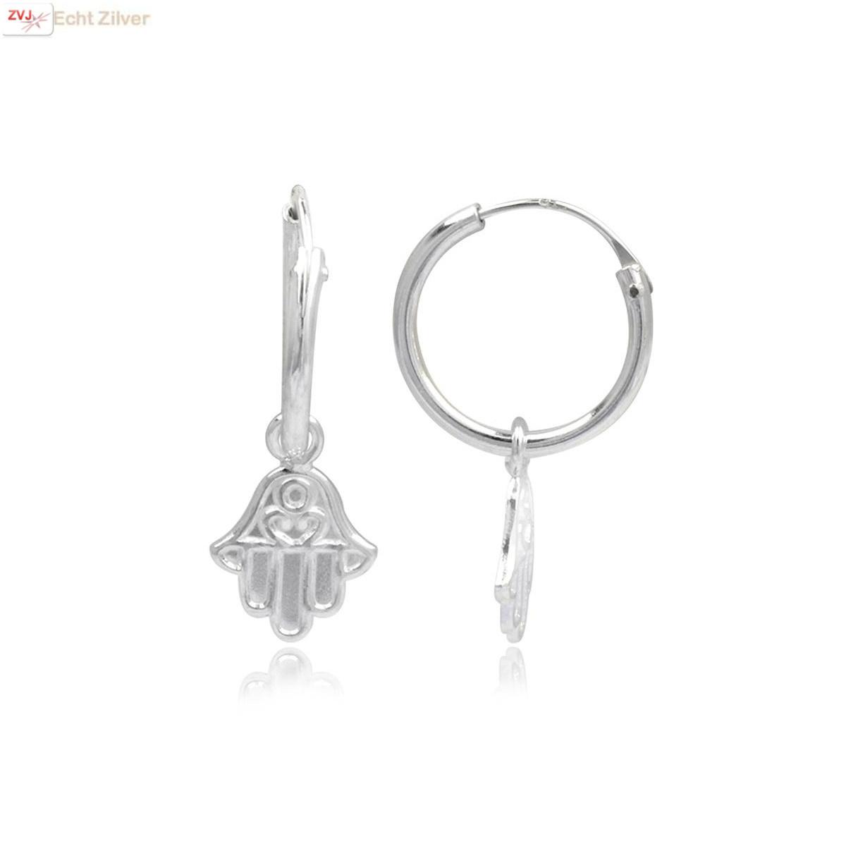 925 Zilveren kleine creolen met hamsa hangertjes-1