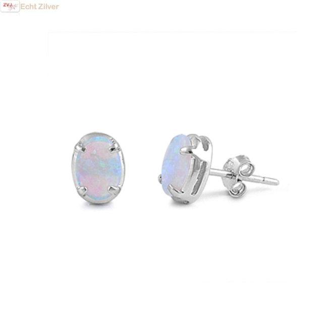 Zilveren ovale witte opaal oorstekers