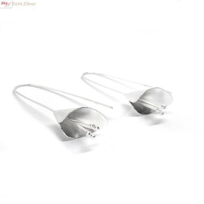 925 Mat zilveren bloem oorhangers