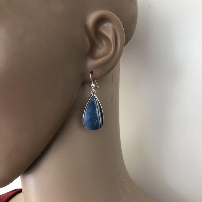 Zilveren druppel chalcedoon oorhanger