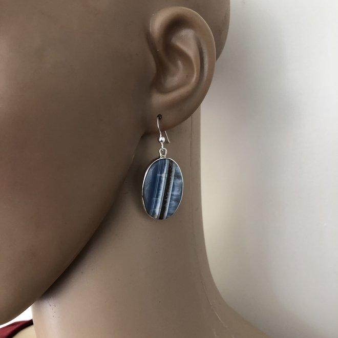 Zilveren ovale chalcedoon oorhangers