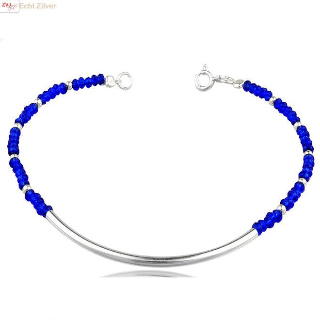 Zilveren koker armband met blauwe crystal en zilveren balletjes