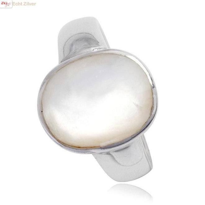 Zilveren  ovale parelmoer ring