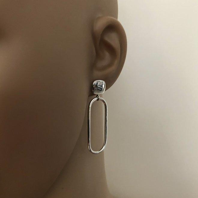 Zilveren vierkante oorsteker met ovale hanger hoogglans oorhangers